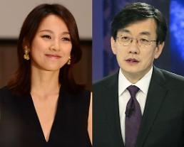 .李孝利出演JTBC新闻节目《News Room》.