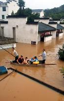 [영상중국] 물바다된 중국 중남부, 이재민 400만명 넘어
