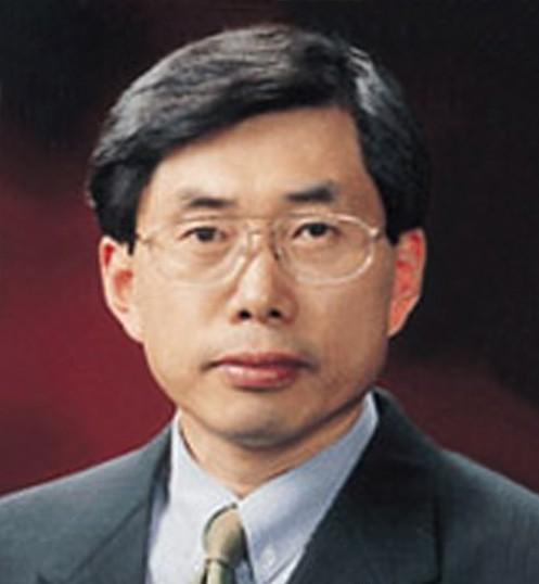 文在寅提名延世大学教授朴相基为法务部长官