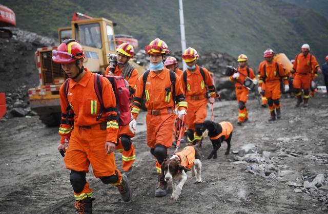 [영상중국] 추과 붕괴 위험에 쉽지 않은 구조...쓰촨 산사태 실종자 73명