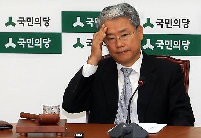 속 타들어가는 김동철 국민의당 원내대표