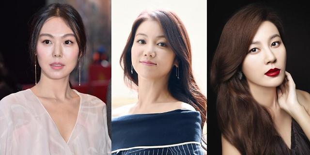 """金敏喜·金玉彬·金荷娜 盘点2017上半年""""最耀眼的韩国女演员"""""""