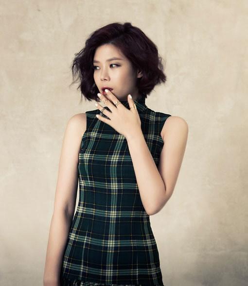 """OST女王""LYn将于14日推迷你新辑《Joue avec moi》"