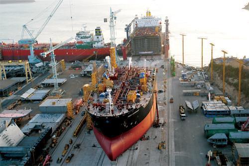 """""""晚节不保"""" 韩国上半年造船订单量被中国反超"""