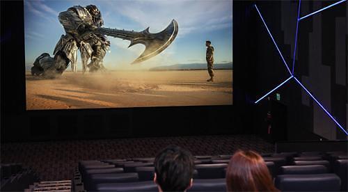 新时代!三星电子推出全球首款LED电影屏幕
