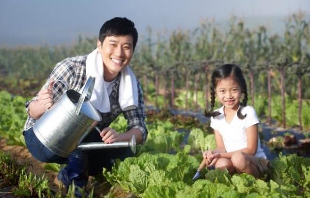 韩国休育儿假男职工年内有望突破1万人