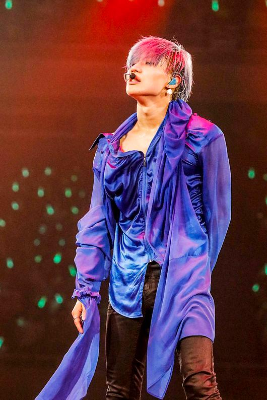 SHINee泰民日本SOLO专辑人气旺 居公信榜首位