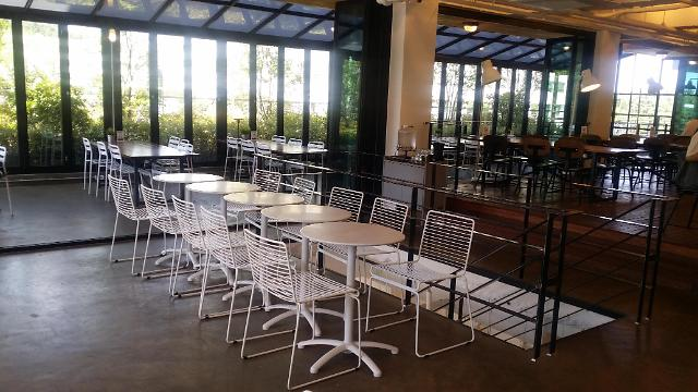 [AJU VIDEO] 喜欢在这样的咖啡厅里发呆~♡!
