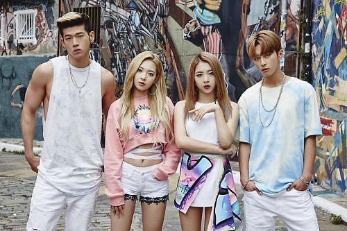 韩新人团体KARD出道仅7天 歌曲便居公告牌前列