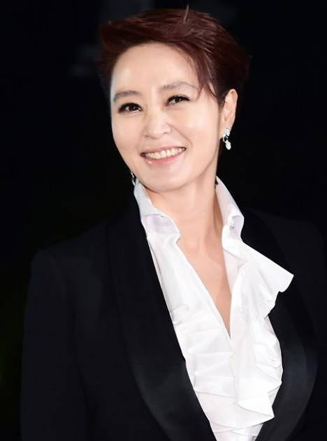 演员金惠秀将出演电影《国家破产日》