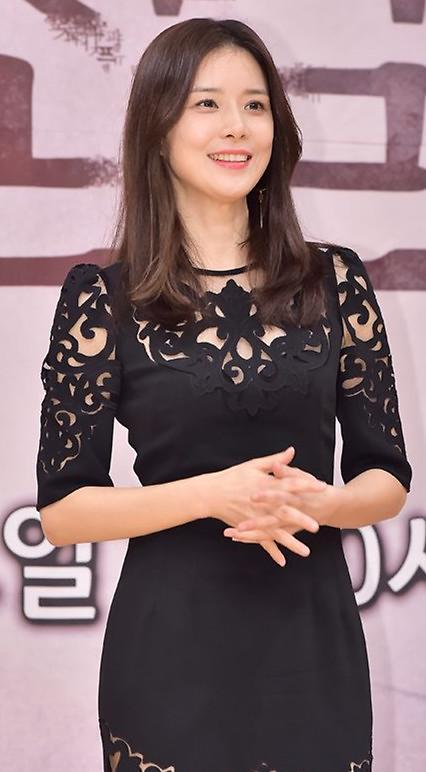 李宝英出演tvN翻拍日剧《母亲》