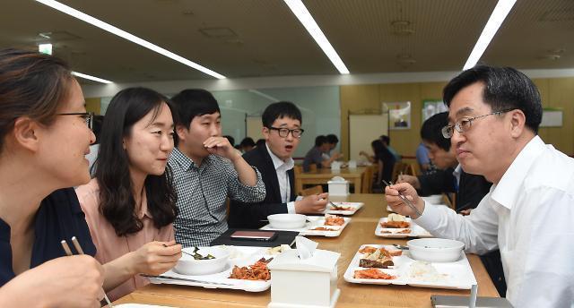 김동연ㆍ김상조ㆍ김은경…신임 장관 3人의 소통 3色'