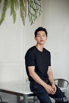 [인터뷰] 송중기가 말하는 '군함도' 박무영과 '태양의 후예' 유시진의 차이