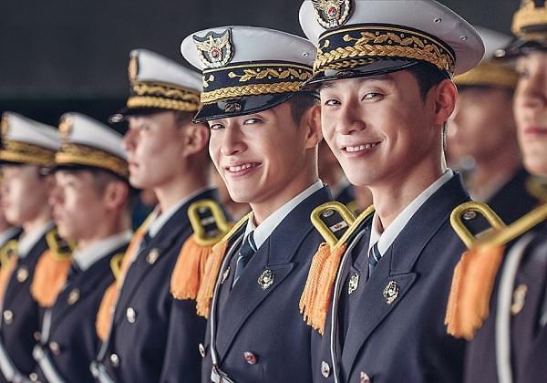 朴叙俊姜河那宣传新片《青年警察》 一同亮相《RM》