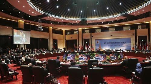 东盟论坛周末马尼拉举行 六国外长打响多边外交战