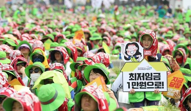 不堪人工成本重负 韩企欲转移生产基地引政府忧虑
