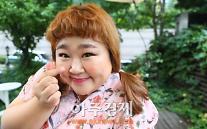 """[AJU★인터뷰②] 홍윤화 """"김민기 오빠와 연애, 좋은 영향 주고 싶어요"""""""