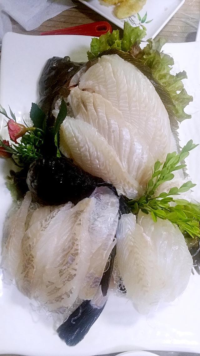 [AJU VIDEO] 束草美食--虽然有点残忍,但是超级新鲜的生鱼片