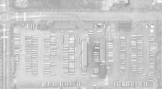 美媒:开城工业园内韩国通勤大巴在停车场消失