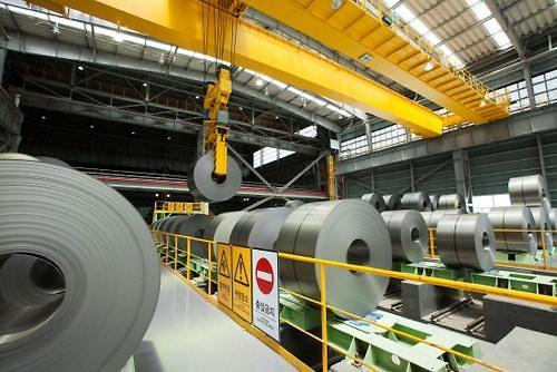 韩国钢铁企业股价连创新高 专家称应警惕车企罢工和美贸易保护主义