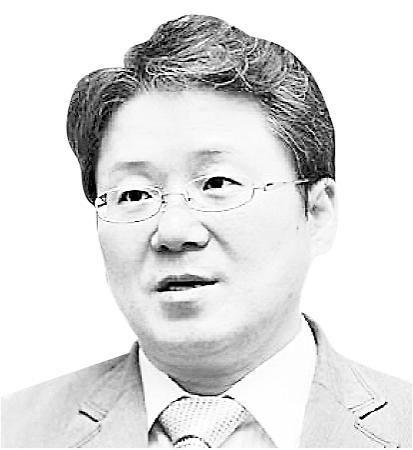 [동서남북] 자동차 산업 위기를 기회로