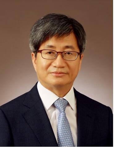 새 대법원장 후보자에 김명수 춘천지법원장 지명