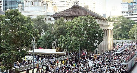 우산혁명 민주인사 징역형 항의 대규모 집회