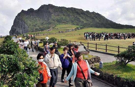 赴韩国济州中国游客回升  自由行高消费受业界欢迎