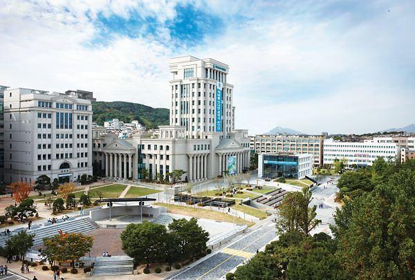 """韩国名牌大学大幅上调留学生学费 学生控诉""""差别对待不公"""""""