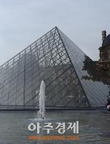 [문화리뷰] 루브르 박물관에서 아름다운 그림과 생생한 조각상을 만나다