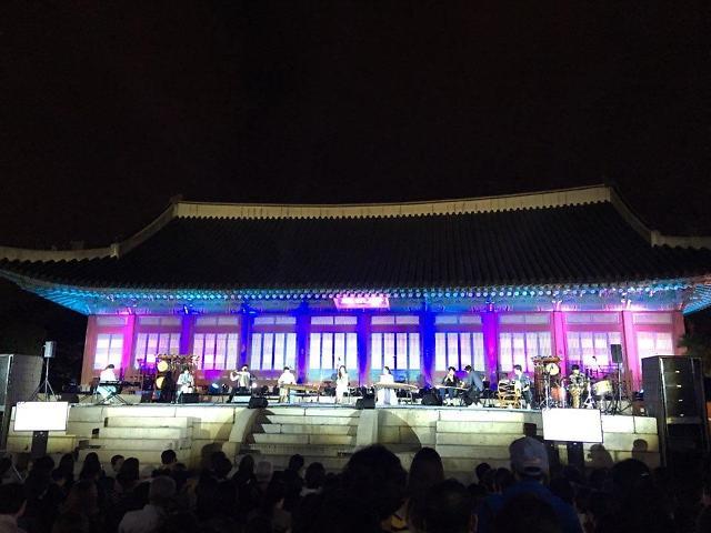 [AJU VIDEO] 景福宫夜间开放 传统与现代完美结合的古宫浪漫之夜