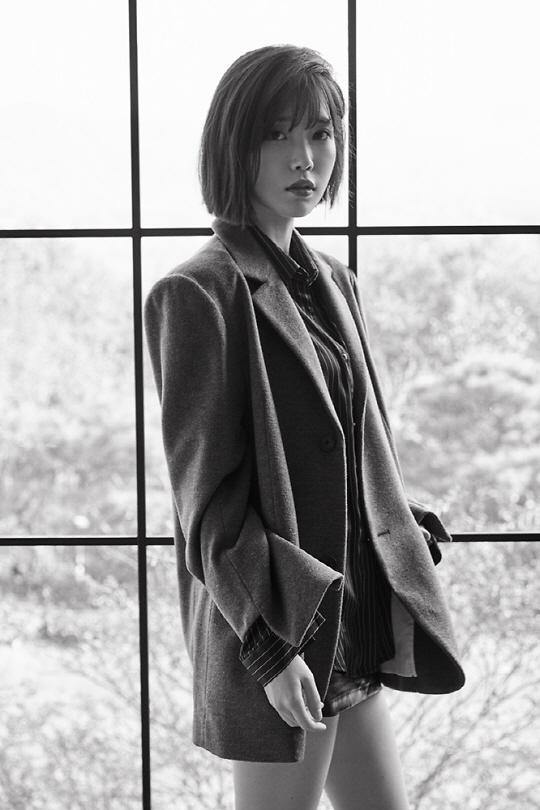 IU将于9月中旬携翻唱专辑《花书签2》闪电回归