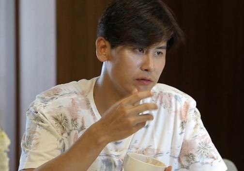 """《同床异梦2》预告 秋瓷炫贴心为于晓光做""""海鲜参鸡汤"""""""