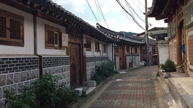 [AJU VIDEO] 韩屋村和韩服少女 历史与青春的碰撞
