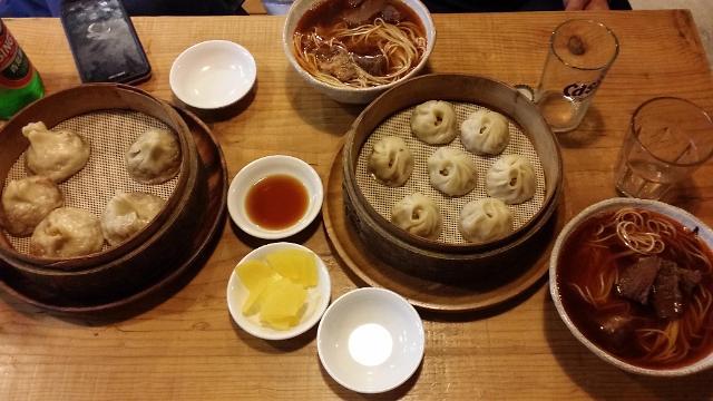 [AJU VIDEO] 首尔新村美食推荐--小笼包+牛肉面