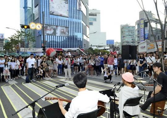 你对韩国的什么感兴趣? 中国人青睐新村美国人关心泡菜