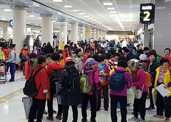 """中国旅游局官网外国游客统计信息""""消失"""" 韩政府担忧在中韩国民众安全"""