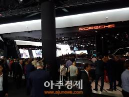 [2017 프랑크푸르트 모터쇼] 포르쉐, 신형 카이엔 터보 공개
