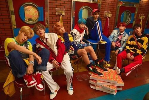 防弹少年团火遍全球 成首位入围Spotify TOP50韩国歌手