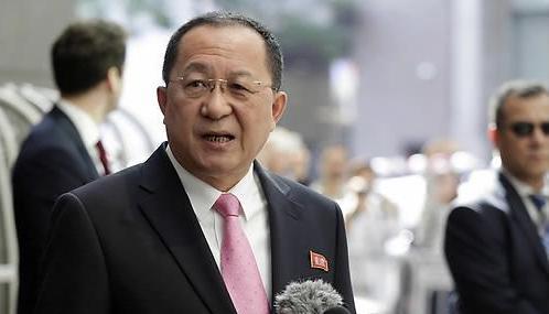 朝外相谴责美轰炸机武力示威 称将采取军事措施