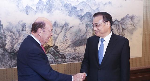 트럼프 방중, 무역갈등 이슈 산적 중국 방문한 미국 상무장관