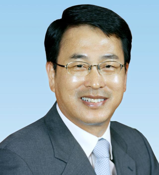 [해우당일기] 김지영칼럼, 지방자치 현실은 귀향을 힘들게 하고