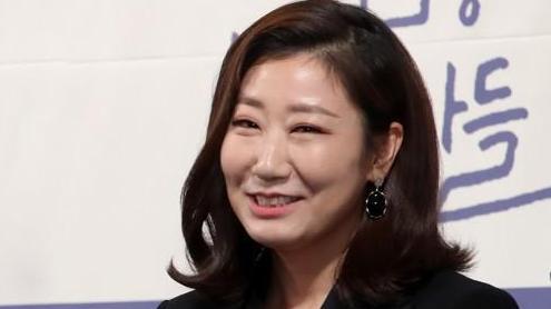 """韩评""""近10年来参演作品最多演员"""" 没想到霸屏女王居然是她"""