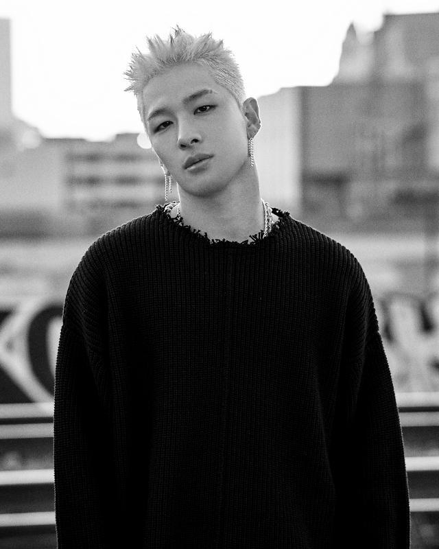 BIGBANG太阳《眼鼻嘴》MV播放超亿