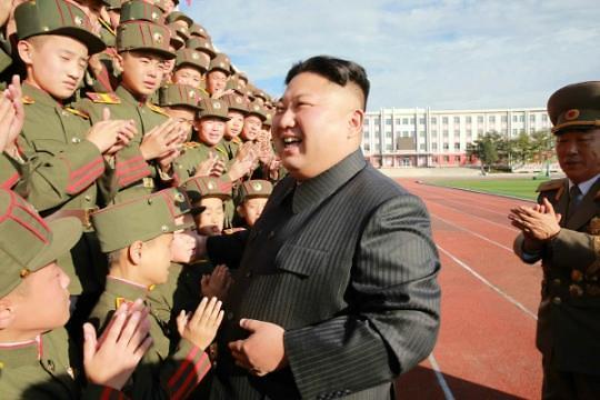 金正恩公开活动锐减 涉军视察频繁