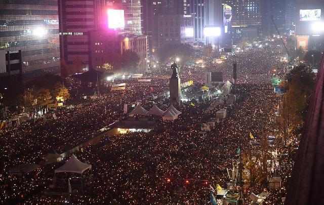 """从和平游行到文艺演出 28日光化门举行""""烛光集会一周年""""特别活动"""