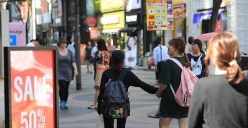 访韩外国游客连续7个月减少 中国游客减速放缓