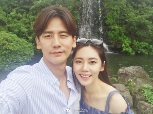 秋瓷炫接受韩媒独家采访 称于晓光得知怀孕消息后感动落泪