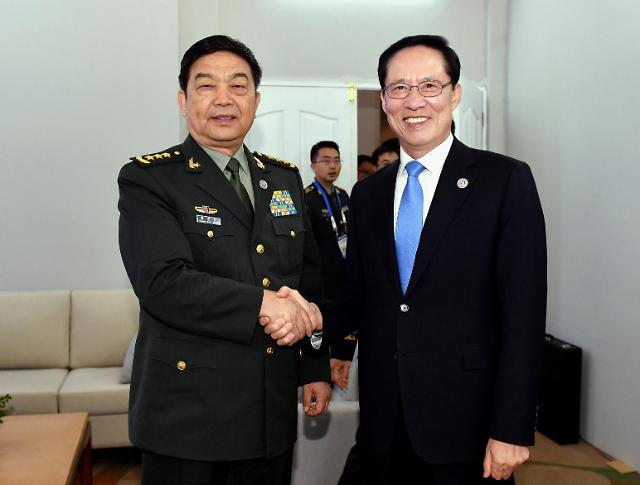 韩中防长时隔两年菲律宾举行会谈