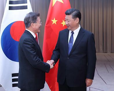 <快讯>韩国总统文在寅向习近平致贺电